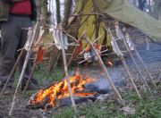 grilling-fish-over-a-fire-bushcraft-cooking-course