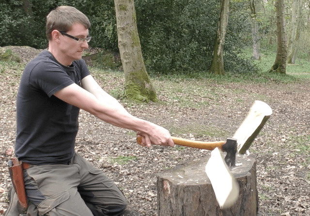 Bushcraft - Axe types and safety